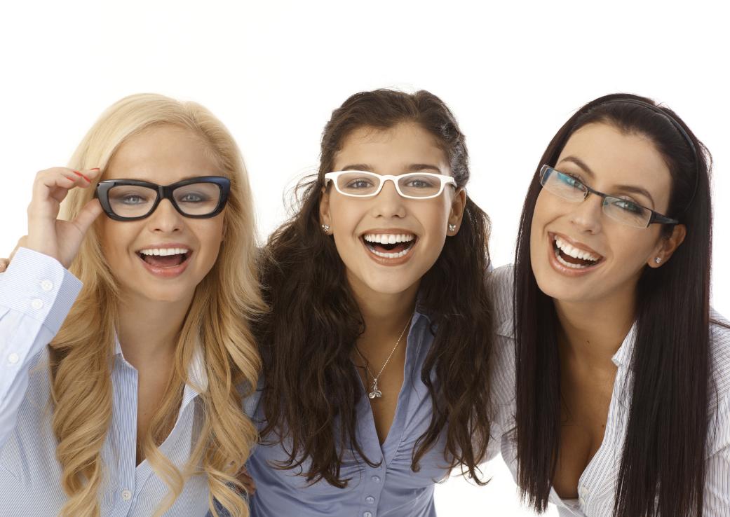Ce tip de ochelari ți se potrivesc în funcție de forma feţei