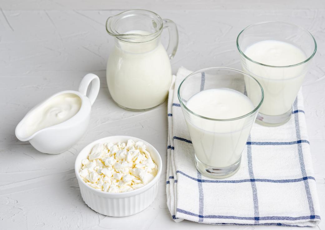Laptele de băut, de vacă – sănătos sau nu?