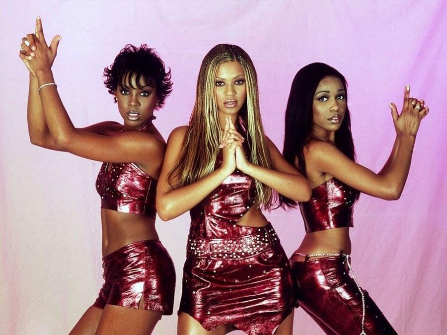 Costume ale celebrităților – scoase la licitație