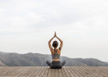 Cele 7 chakre și pozițiile yoga complementare