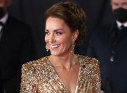 Ce mesaj ascunde rochia Ducesei de Cambridge de la premiera filmului Bond